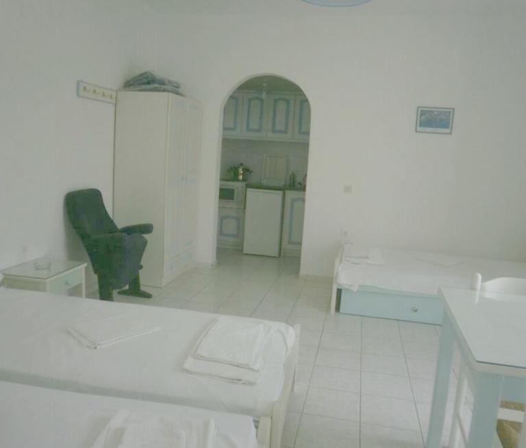 Single room studios